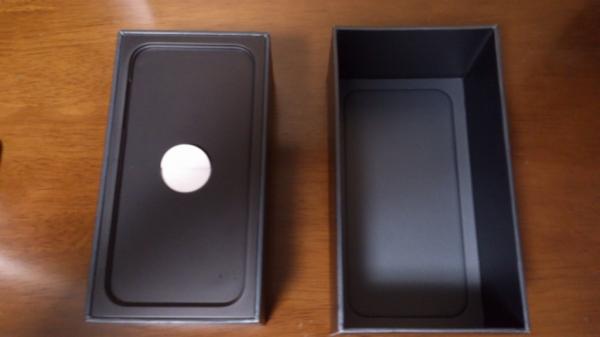 iPhone 5の箱を開けたところ2