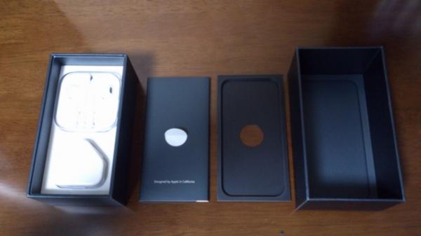 iPhone 5の箱の中身