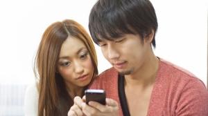 自民党議連が「携帯電話税」を検討、ネット上では批判が相次ぐ