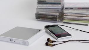 ロジテック、Android端末に直接音楽が取り込めるDVDドライブ「LDV-PMH8U2R」を発表