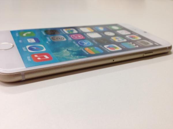 iPhone 6 モックアップ側面