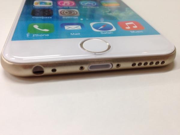 iPhone 6 モックアップ下面