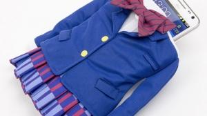 音ノ木坂学院の制服がそのままスマホケースになった「きゃら服スマホケース ラブライブ!」が登場