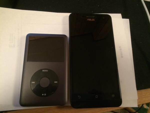Zenfone5 サイズ比較