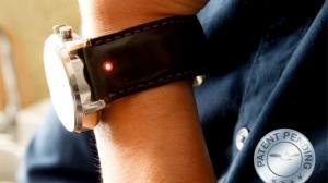 ベルト交換するだけ! 普通の腕時計をスマートウォッチにしてしまう革製ベルト「Unique」