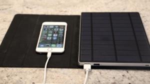 iPadのような美しいデザインの高性能ソーラーバッテリー「SolarTab」