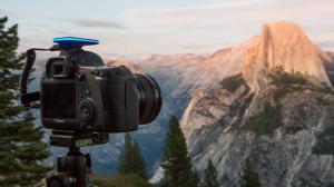 デジタル一眼レフカメラをスマホから遠隔操作できる「Pulse」がクラウドファンディングで大人気