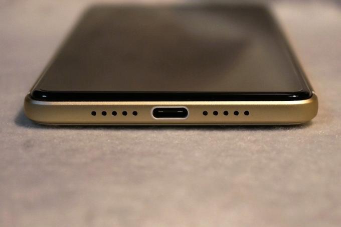 下部(USB Type-C)