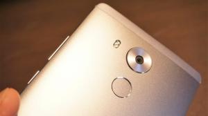 Huaweiのフラッグシップモデル「Huawei Mate 8」フォトレビュー
