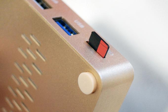 microSDカードにデータを保存